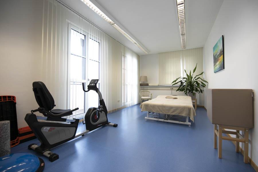 Behandlungszimmer - Geräteraum